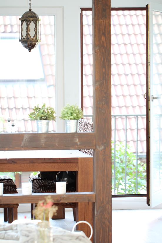 Diy beistelltisch mit marmorplatte ikea hack design dots for Dachgeschosswohnung einrichten