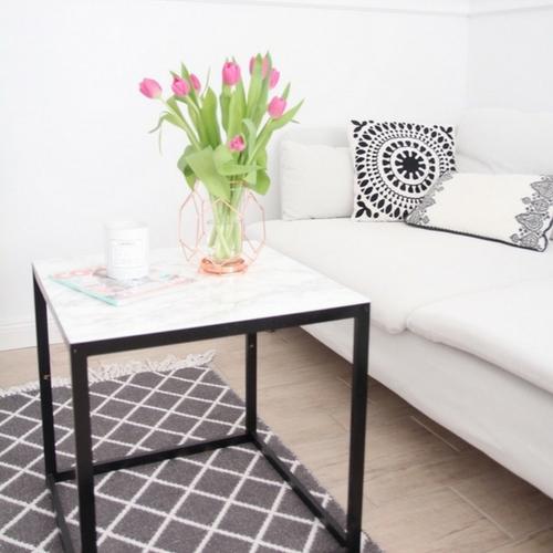 diy beistelltisch mit marmorplatte ikea hack design dots. Black Bedroom Furniture Sets. Home Design Ideas