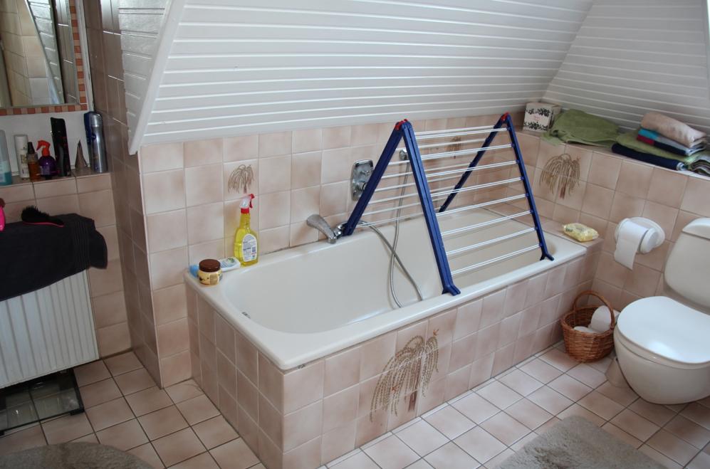 badezimmer renovieren ohne Fliesen - DESIGN DOTS