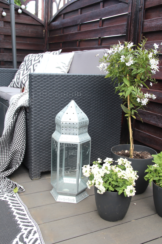 unsere neue diy terrasse design dots. Black Bedroom Furniture Sets. Home Design Ideas