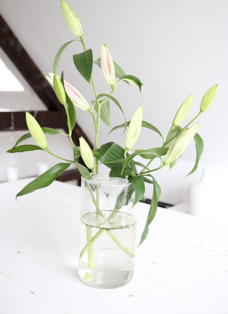 blumen-in-der-vase-arrangieren
