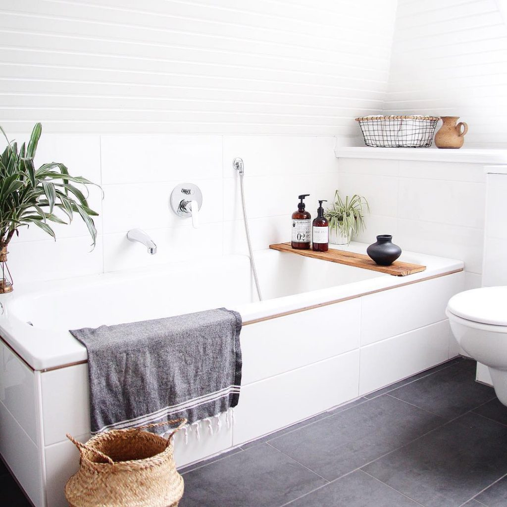 Badezimmer selbst renovieren: Kosten – DESIGN DOTS