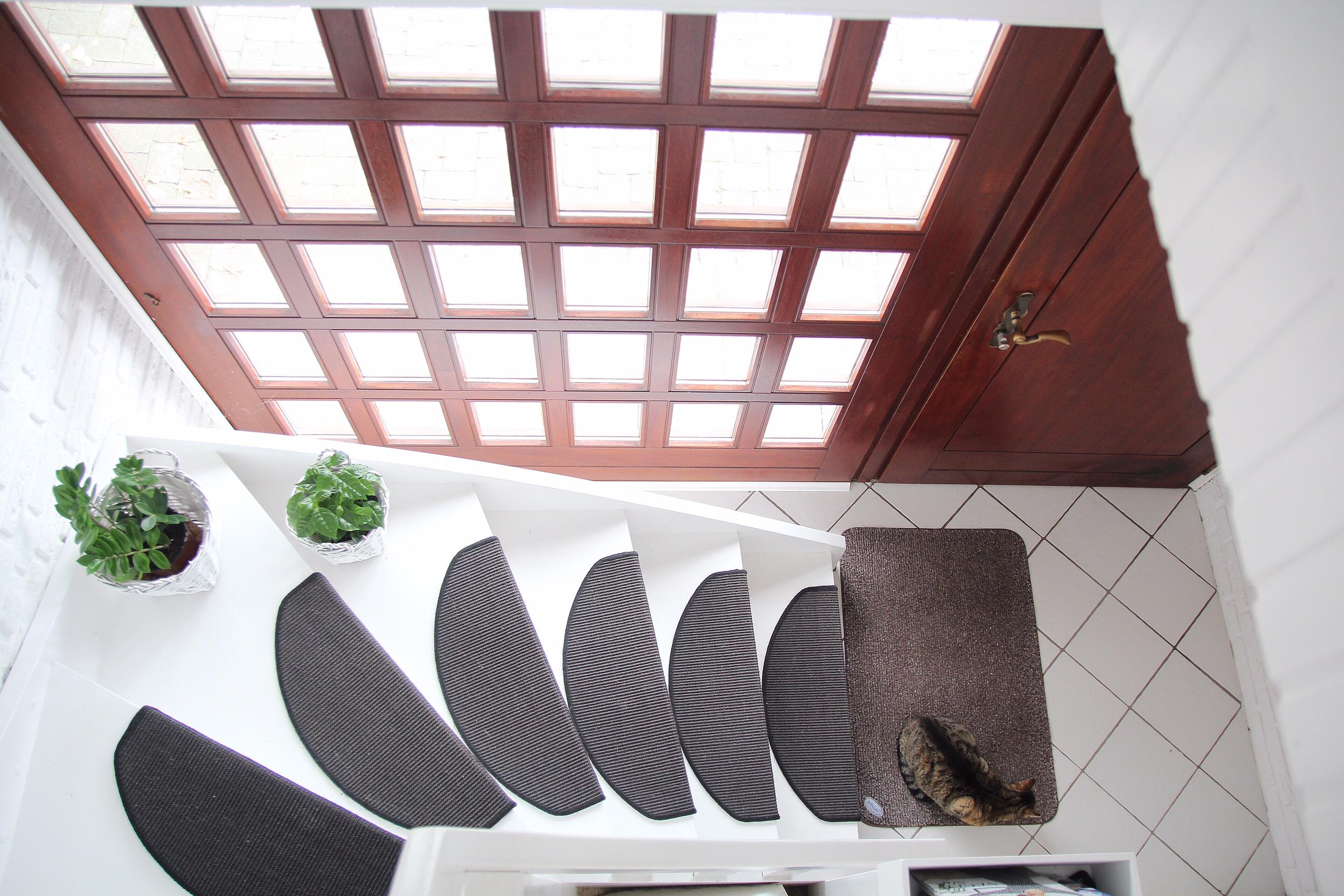 insgesamt haben wir ca 150 euro ausgegeben ok das kleine fenster oben hat ein bisschen mehr gekostet aber es gehrt nicht zur deko - Bilder Treppenhaus Gestalten